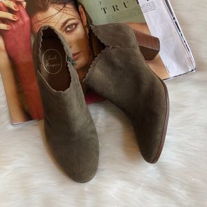 Jack Rogers Marianne Olive Suede Booties 11M